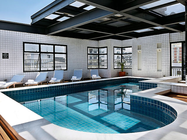 piscina com vista panorâmica hotel trasamerica classic opera
