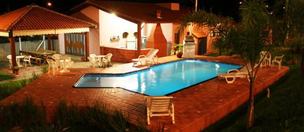 piscina pousada brotos'agua noturna