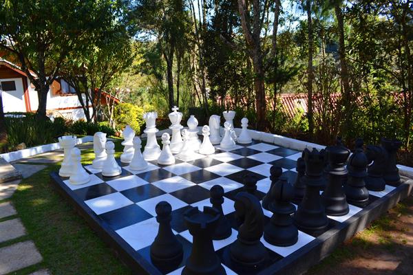 xadrez gigante em pousada recanto dos sonhos