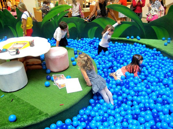 Programa o infantil de f rias em shoppings for Bolas piscinas infantiles