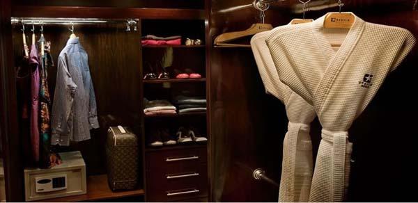 walk in closet hotel etoile george v itaim