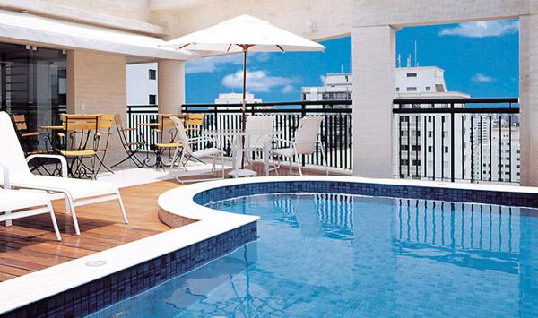 piscina do hotel estanplaza ibirapuera
