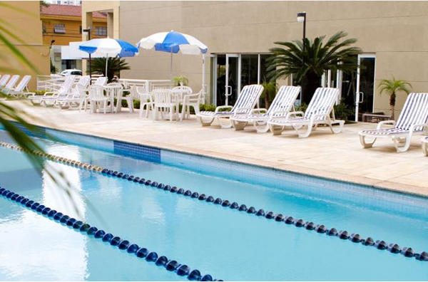 piscina semiolímpica do Hotel Mercure São Paulo Vila Olímpia