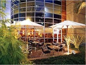 área externa do restaurante do hotel mercure sao paulo jardins
